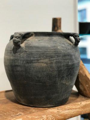 by living keramik grå krukke med fire hanke