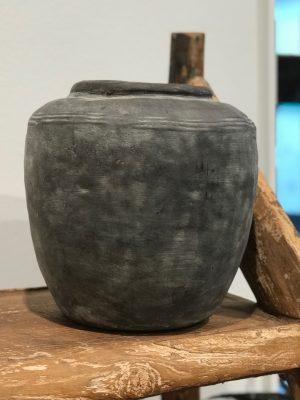 mellem grå keramik krukke fra cest bon