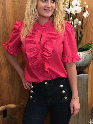Pink Queen the ruffle kortærmet skjorte med flæse fra Design by Laerke