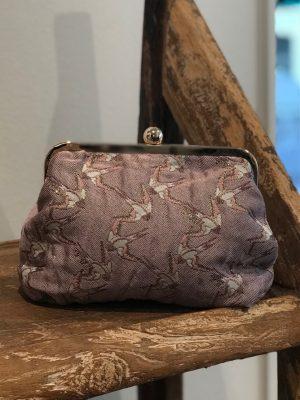 Sonja Love skuldertaske eller clutch med i rose bird mønster