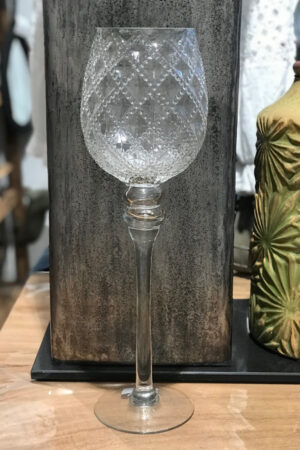 Glaspokal i klar glas med relief. Højde 40 cm