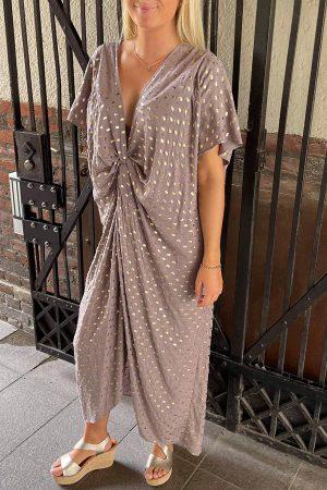 Design by Laerke lyng beige og guld Afrodite kjole med knude of korte ærmer