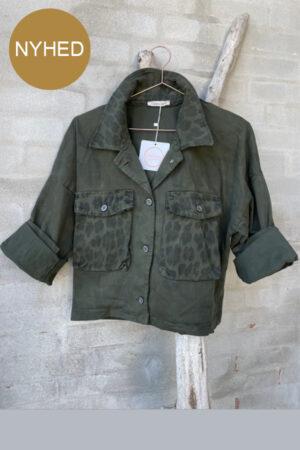 Cabana Living Zenzi military camo grøn kort jakke