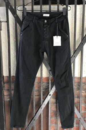 Piro sort jeans med knaplukning PB531A